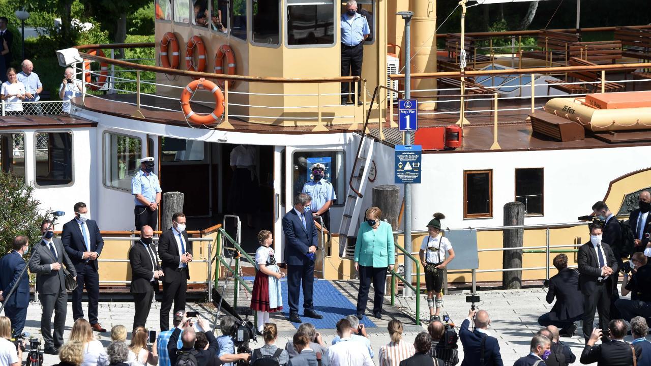 Etwas bayrische Folklore vor der Besteigung des Schiffes