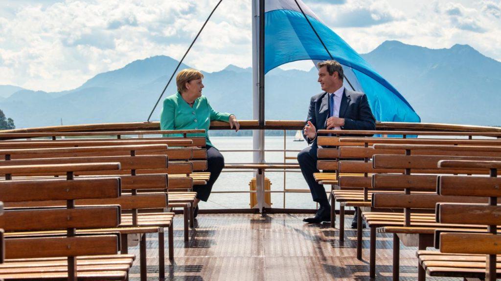 Merkel mit Kronprinz Söder in Bayern am Chiemsee - live auf BILD - Politik in Deutschland