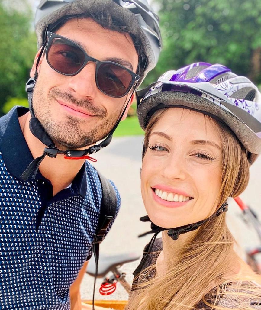 """Cathy und BVB-Kicker Mats Hummels beim Fahrradfahren – Sie: """"Mit Mountainbiking habe ich ein neues Hobby gefunden"""""""