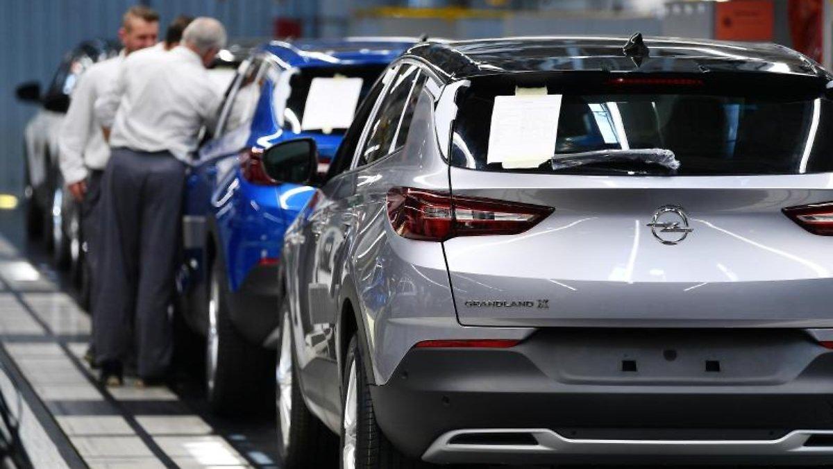 """Jeder zehnte Käufer wünscht sich ein Elektroauto: Der Trend geht zum kleinen """"Stadttank""""."""