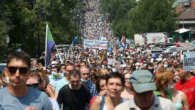 """Überraschende Massenproteste in Fernost: """"Die ganze Stadt weigert sich, Putins endlosen Lügen zu glauben"""" - Politik"""