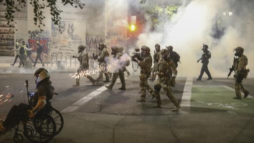 Zusammenstöße in Portland: Opposition gegen den Einsatz der Bundespolizei
