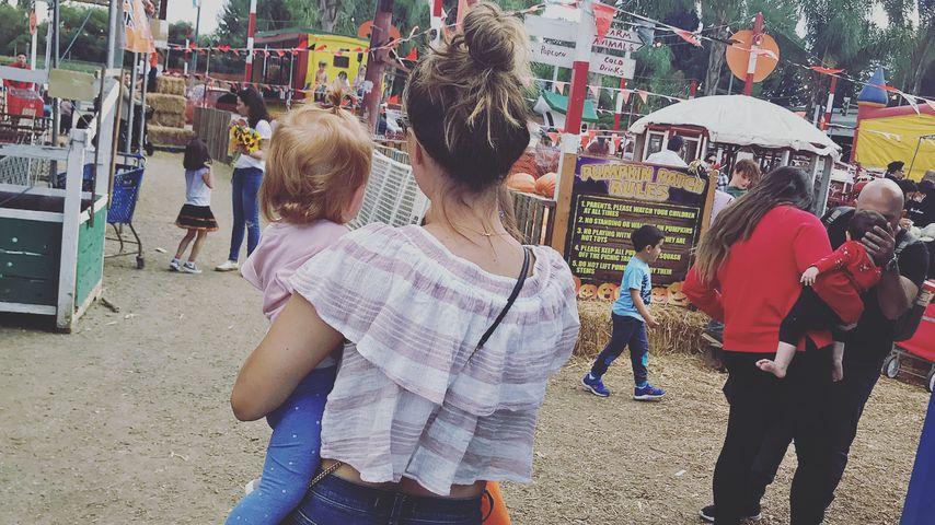 Camilla Luddington mit ihrer Tochter, Oktober 2018