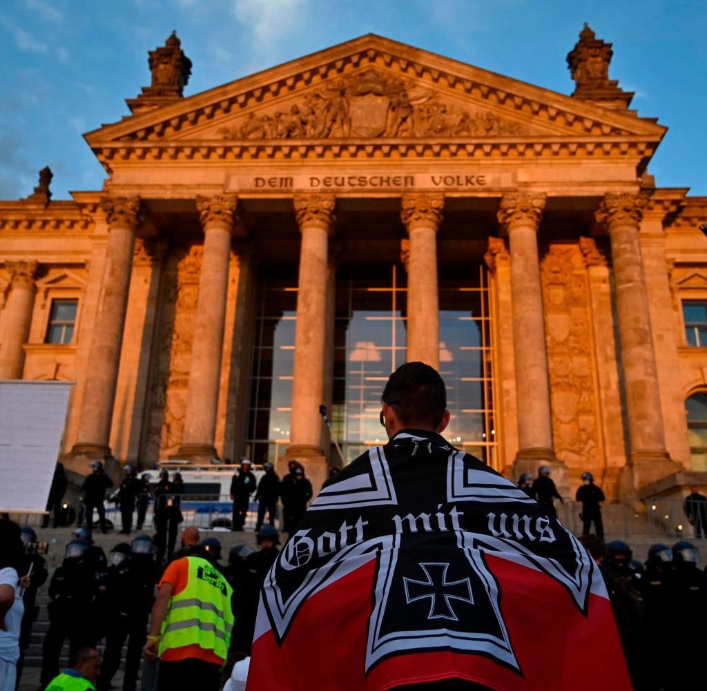 Demonstranten für den Reichstag