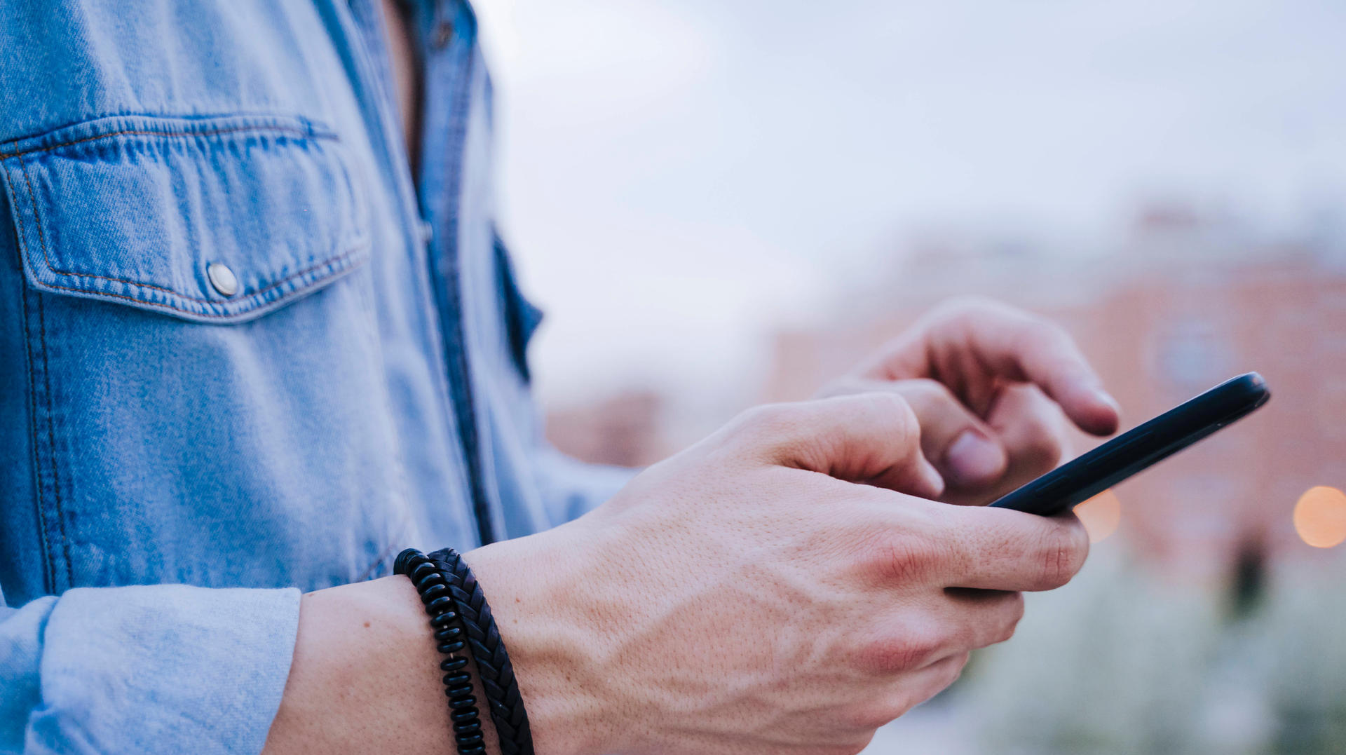"""Beachtung!  Android-Benutzer erhalten eine seltsame """"Test"""" -Nachricht"""