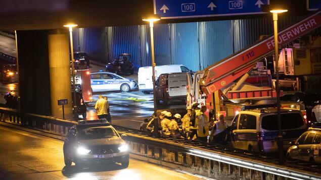 Möglicherweise ein politisches oder religiöses Motiv: drei von Menschen verursachte Unfälle - Berliner Autobahn nachts geschlossen - Berlin