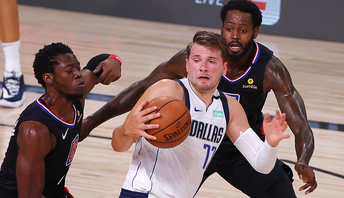 NBA Playoffs: Luka Doncic Towers, Kristaps Porzingis Flies