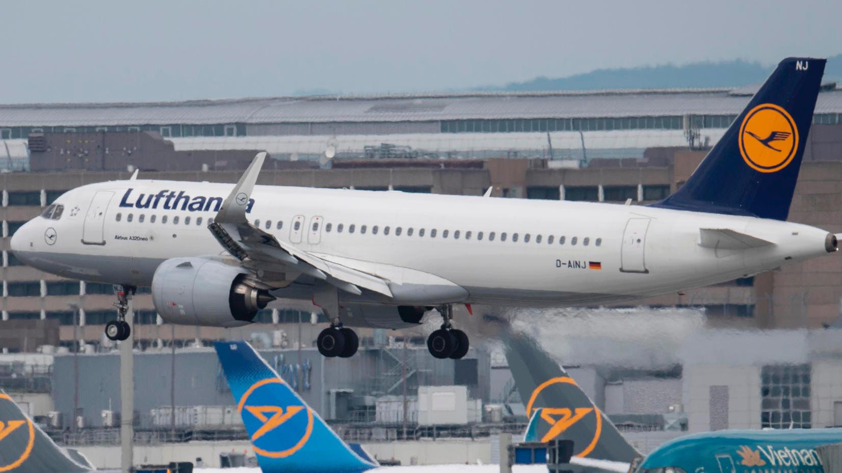 Nach harten Verhandlungen vereinbart Lufthansa mit den Piloten ein Sparpaket