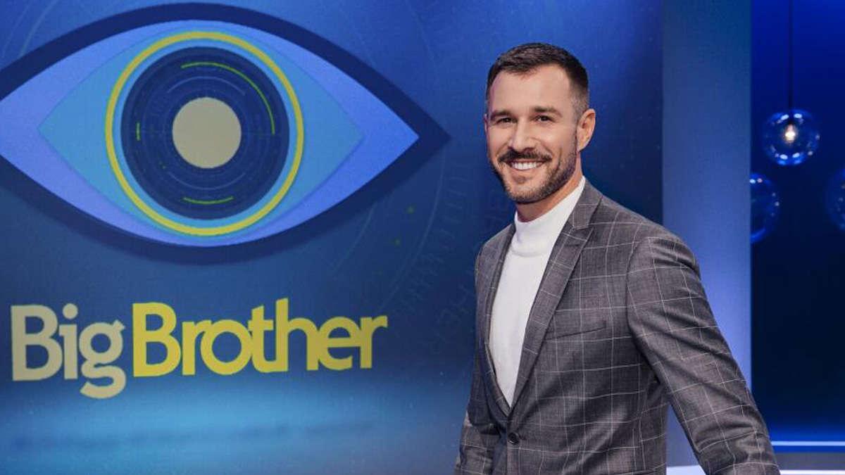 """Promi-Big-Brother-Moderator Jochen Schropp begeht deutlichen Koronafehler - Zuschauer schockiert: """"Heuchlerisch"""""""