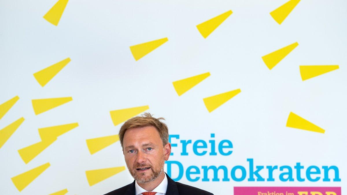 RTL / NTV-Trendbarometer: FDP sinkt auf fünf Prozent