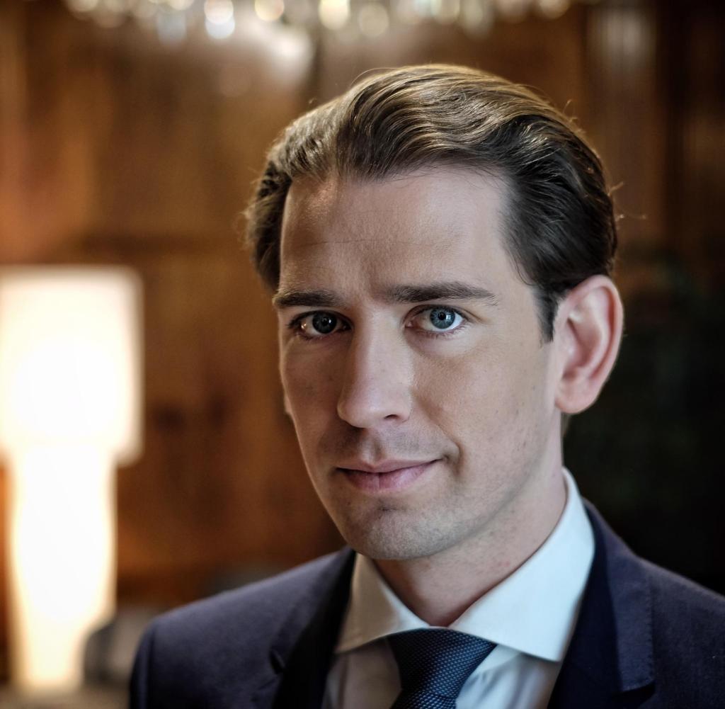 Sebastian Kurz, österreichischer Politiker und amtierender Bundeskanzler der Republik Österreich, wurde in die Bundeskanzlei in Wien aufgenommen