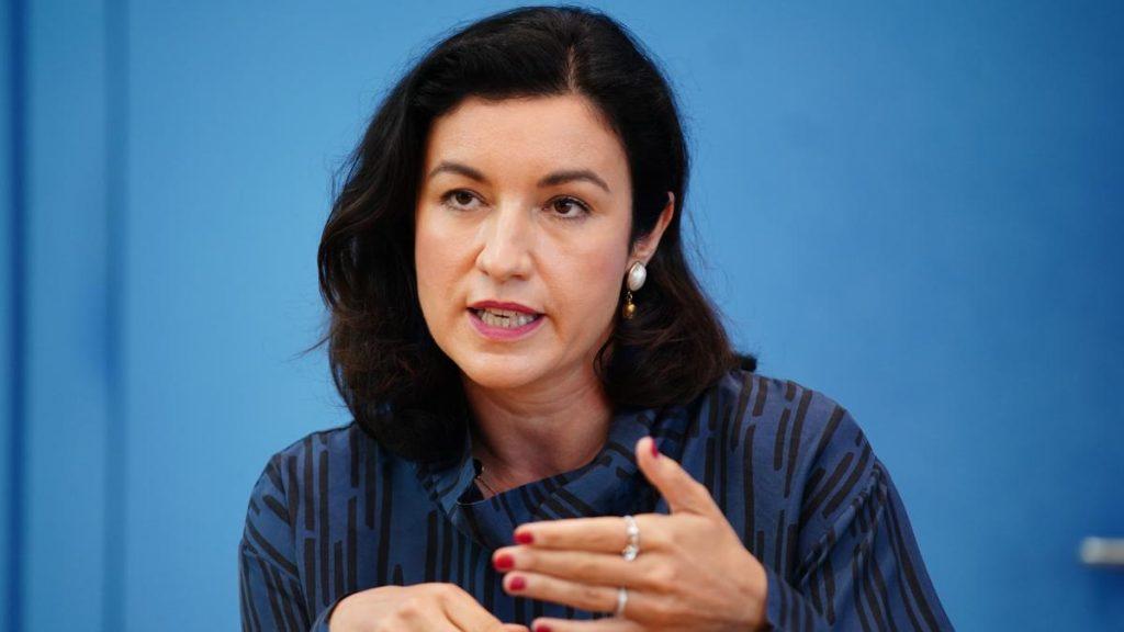 Protest gegen Roland Tichy: Dorothee Bär verlässt die Erhard-Stiftung