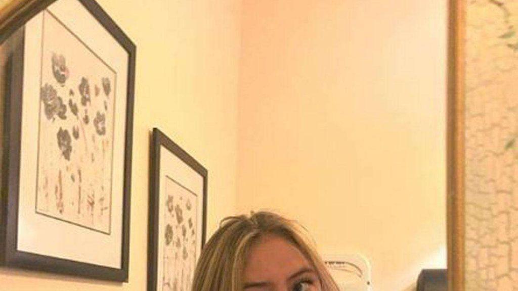 """Heidi Klum (GNTM / ProSieben) Tochter mit einem seltenen Selfie: Aussehen trennt Fans - """"Noch schöner als Mama"""""""