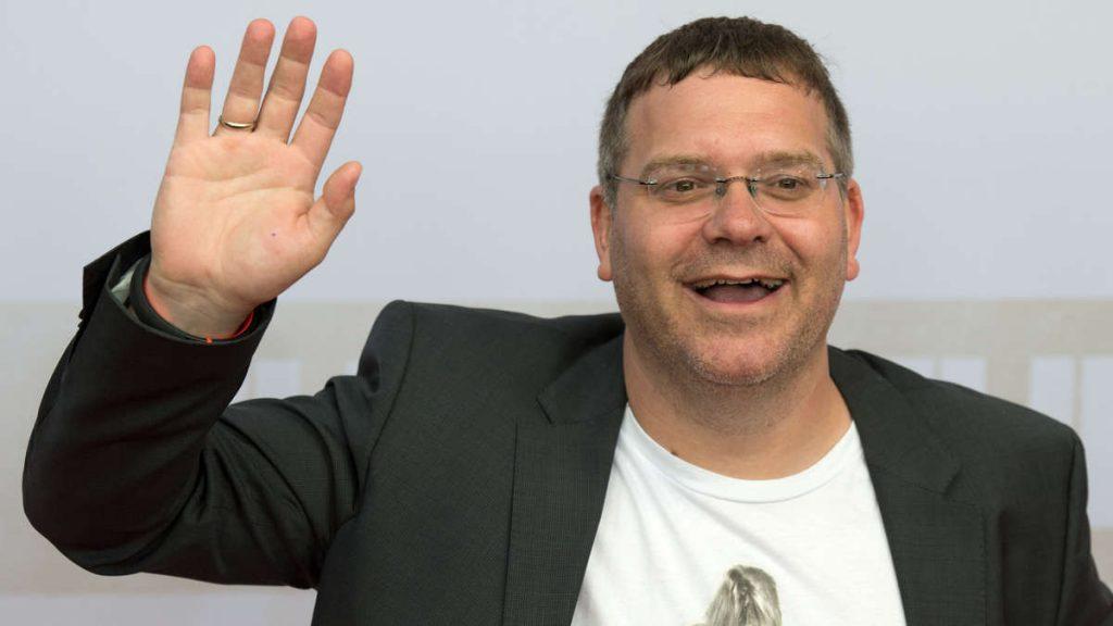 """München / ZDF: Elton erlebt am Set eine böse Überraschung - """"Ja ... es hat mich erwischt"""""""