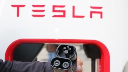 Software-Fehler: Andere Marken berechnen die Tesla-Kompressoren kostenlos
