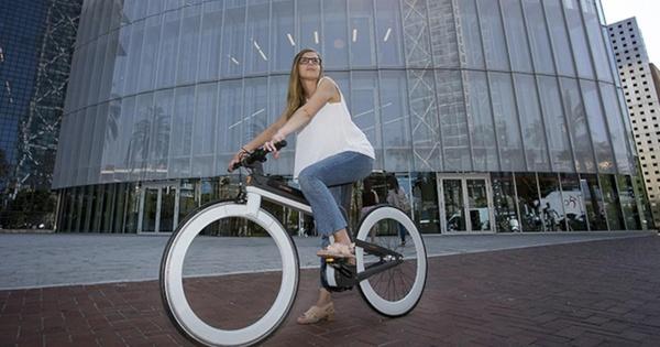 Oohbike: Dieses futuristische E-Bike hat keine Speichen mehr
