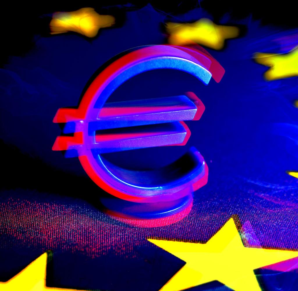 Euro-Zeichen auf EU-Flagge, EU-Wiederaufbaufonds und EU-Hilfe Weltweite Nutzung