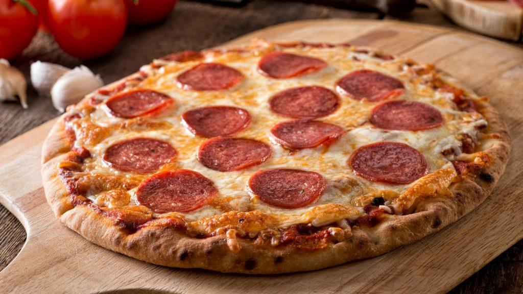 """20 Salami-Pizzen im Test - Discounter-Tiefkühlpizza ist """"unzureichend"""""""
