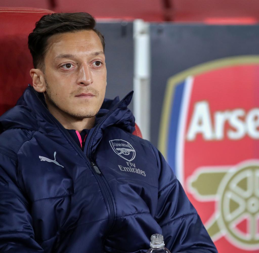 Mesut Özil hat auf seinen Wechsel aus dem Kader der Arsenal London reagiert.  Auf Instagram ließ er seinen Ärger los