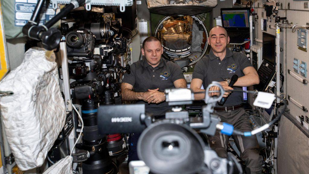 Raumfahrer von der ISS spüren ein Leck mit Teebeuteln auf