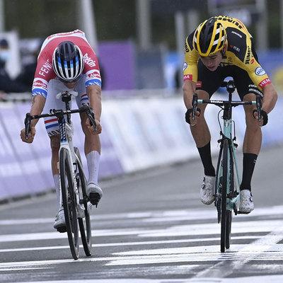 Van der Poel gewinnt das Spiel gegen Van Aert Ronde