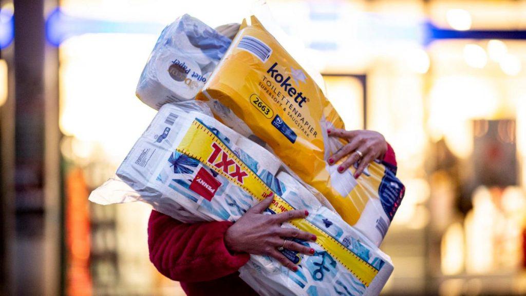 Toilettenpapier, Mehl und Hefe: Laufen sie jetzt bei Aldi, Rewe und Co. aus?