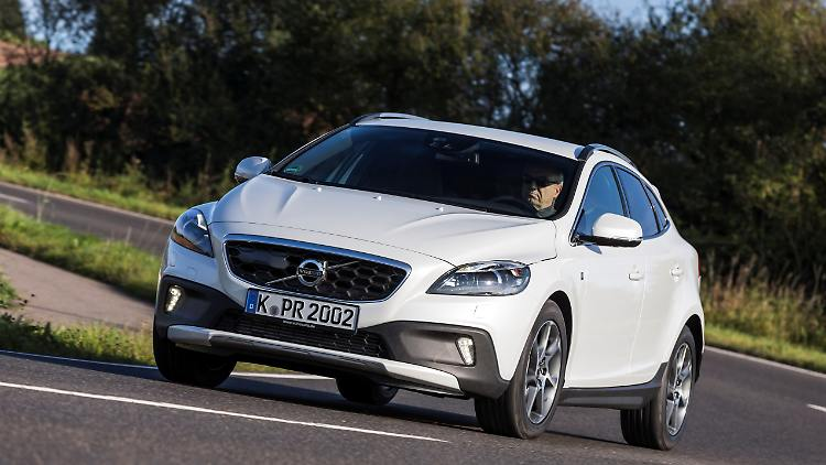 153555_Volvo_V40_Cross_Country_Ocean_Race_Edition.jpg
