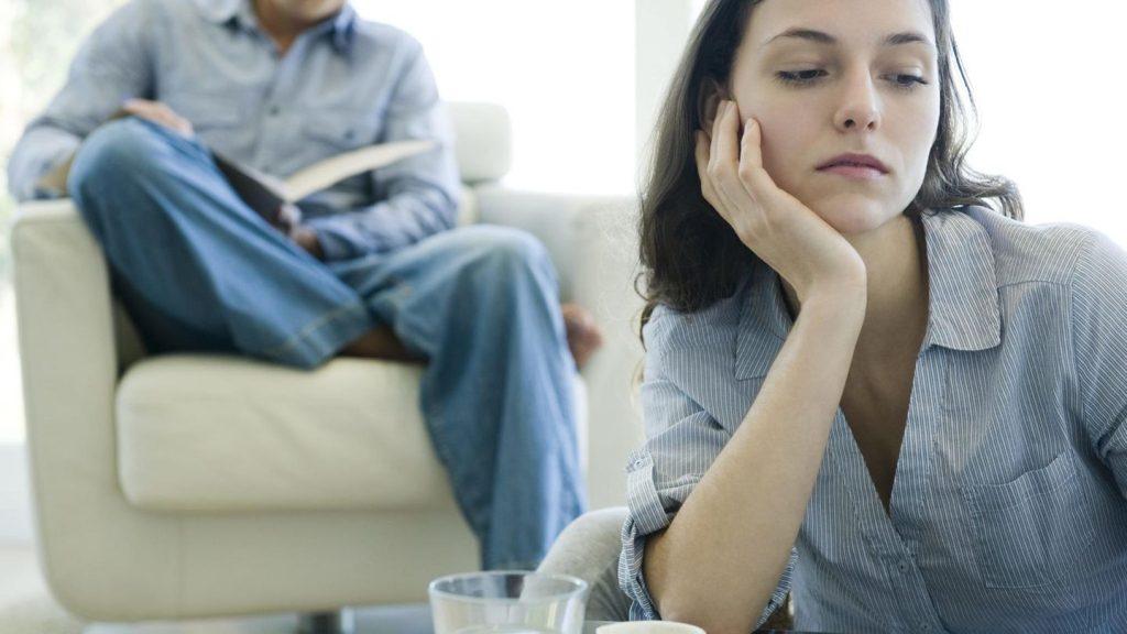Mikromanipulation: Wie Narzisstinnen die Kontrolle behalten