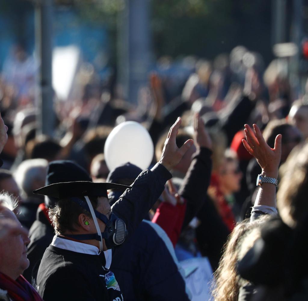 Die seitliche Denkerdemonstration in Leipzig eskalierte - das Land Sachsen regierte mit neuen Anforderungen an Proteste. Richtig?