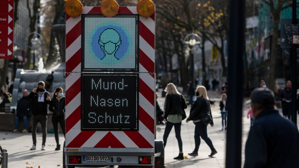 Corona-Virus in Deutschland: Bundesregierung will strengere Regeln - Politik