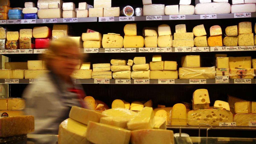 """Käse-Rückruf bei Aldi, Lidl und Co .: Gesundheitsgefahr! """"Schwere Krankheiten"""" möglich"""