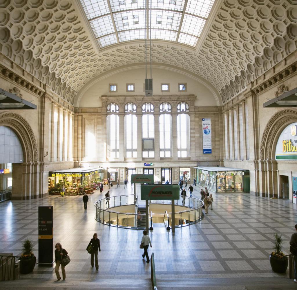 Deutschland, Sachsen, Leipzig, Hauptbahnhof, inneres Einkaufszentrum