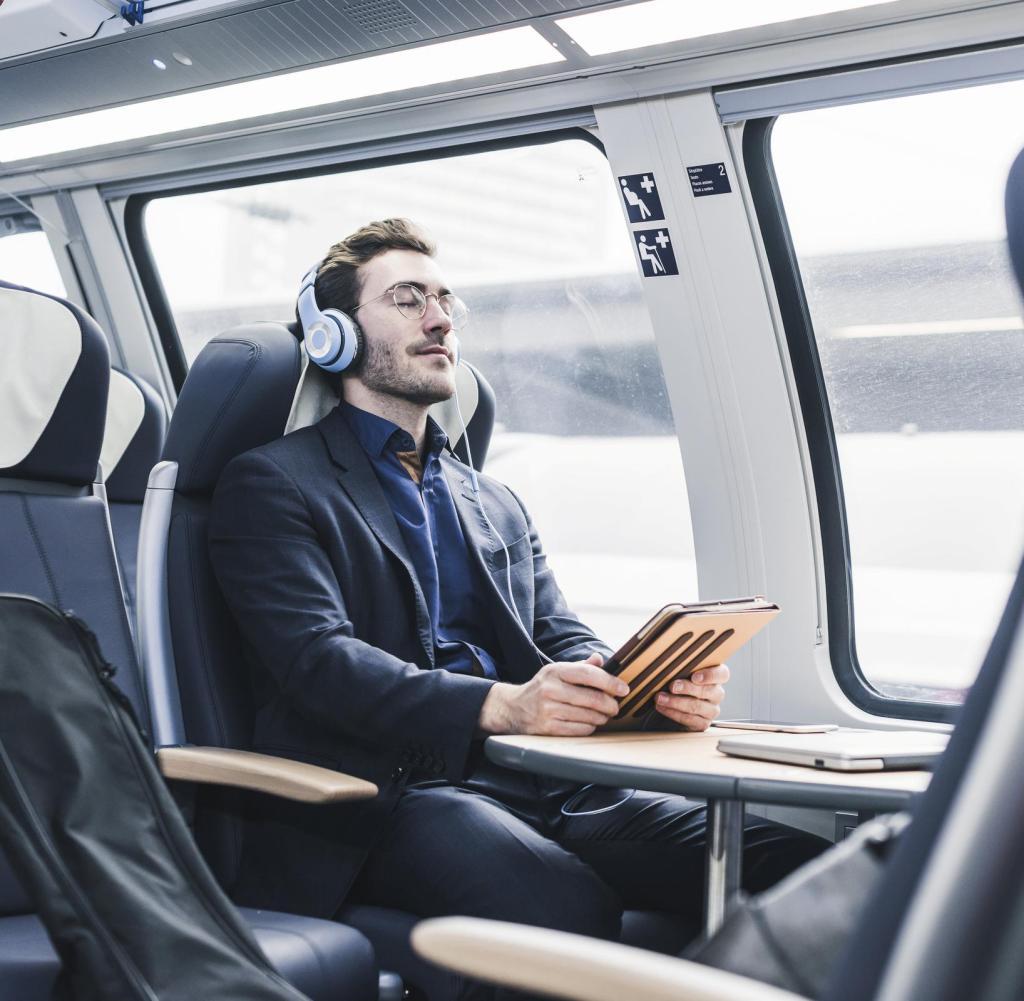Im Zug arbeiten, einen Film streamen oder einfach nur Musik hören - all dies scheitert an der schlechten Internetverbindung