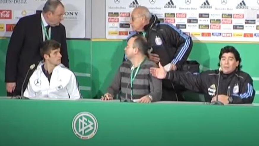 Als Maradona Thomas Müller auf einer Pressekonferenz nicht kennenlernen wollte