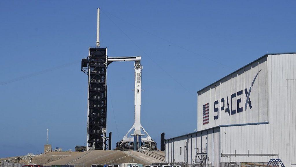 Astronauten müssen geduldig sein: SpaceX verschiebt den Start der ISS-Rakete