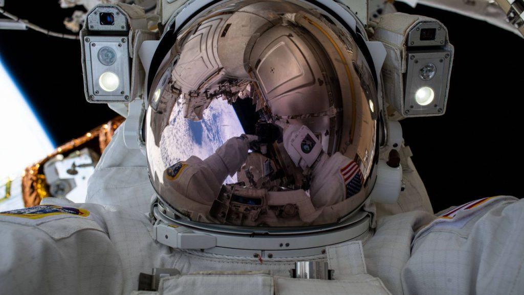 Astronauten unter Stress: Wie wirkt sich Schwerelosigkeit auf den Körper aus?
