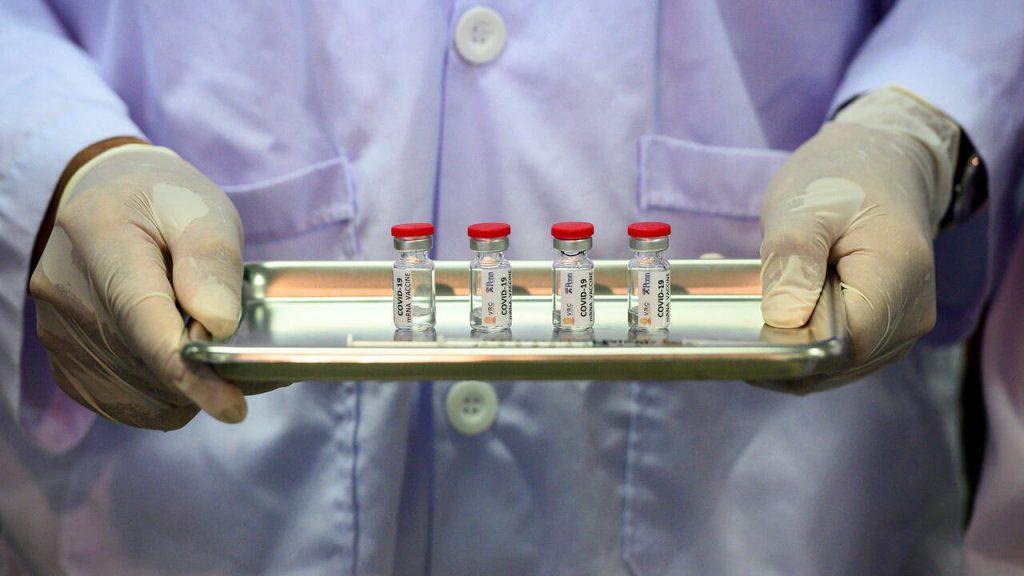 Corona-Impfstoff: BioNTech und Pfizer liegen vor uns, Moderna stark, AstraZeneca dahinter