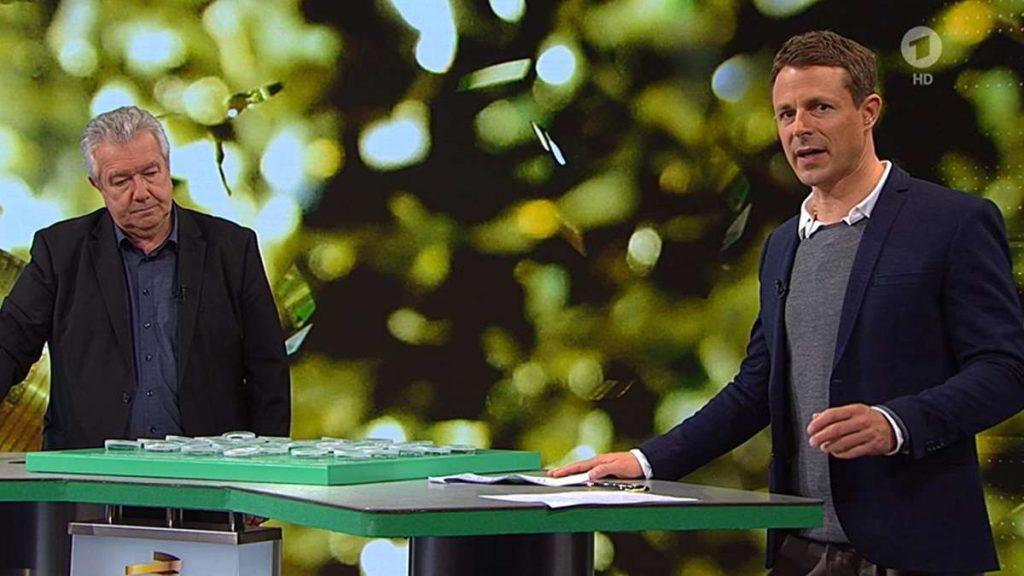 DFB-Pokal-Auslosung (ARD): Alexander Bommes mit Fehlern am Fließband - Fans verspotten ihn