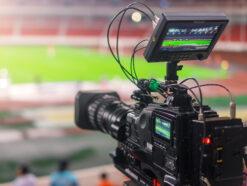 Fernsehkamera in einem Fußballstadion