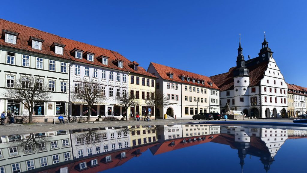 Hotspot kurz vor der 500er-Inzidenz: Hildburghausen schließt Schulen und Kindertagesstätten