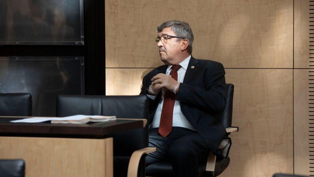 Lorenz Caffier: Der Innenminister Mecklenburg-Vorpommerns tritt nach dem Kauf von Waffen zurück