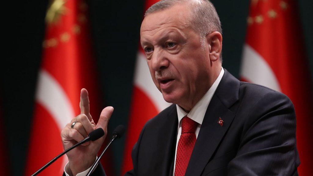 Türkei: Recep Tayyip Erdoğan akzeptiert den Rücktritt seines Schwiegersohns Berat Albayrak