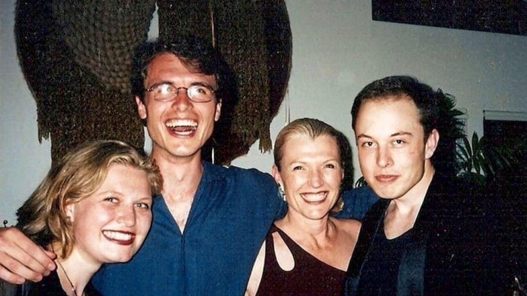 Elon Musks erfolgreiche Familie: Top Model Mom und Director Sister - Business