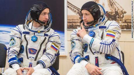 Der russische Weltraumspaziergang hilft bei der Vorbereitung der Raumstation auf ein neues Modul