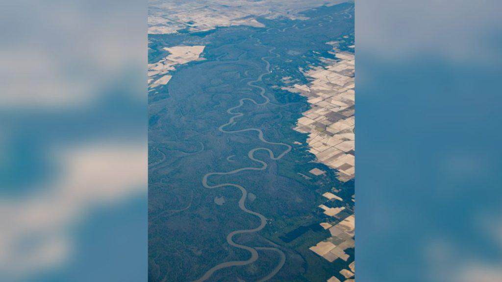 Amerikas Flüsse wechseln von blau zu gelb und grün, wie Satellitenbilder zeigen