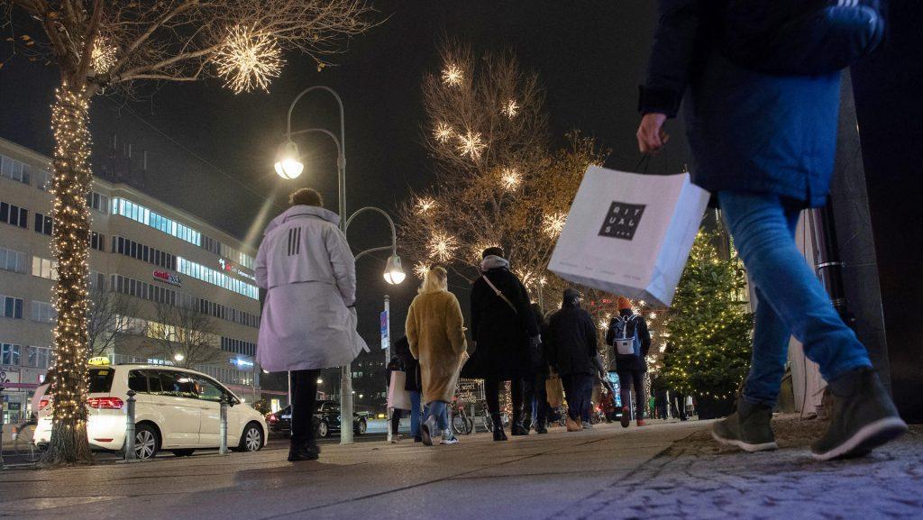 Das nächste Bundesland fördert die Sperrung der Korona vor Weihnachten