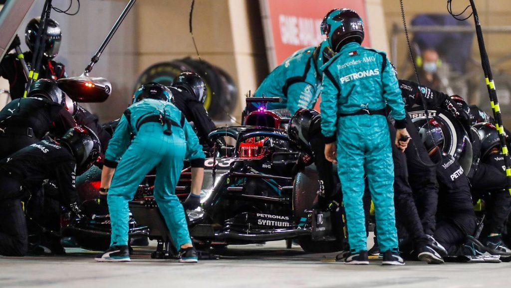 """Pressekommentare zur F1-Schande: """"Mercedes? Ein peinlicher Haufen Hühner"""""""