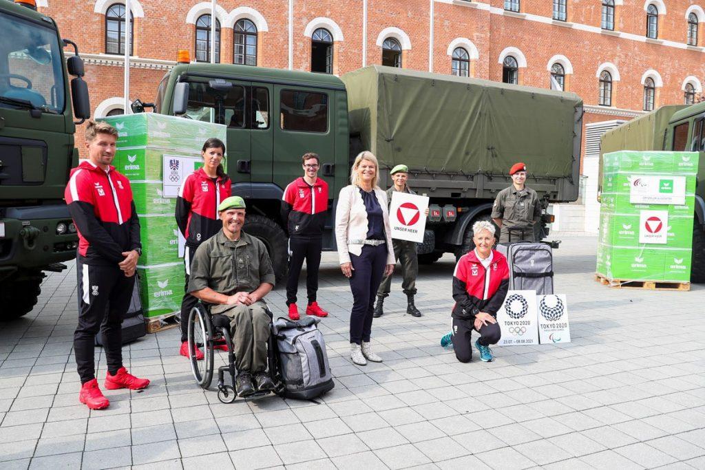 Das österreichische Paralympische Komitee führt die Uniform Tokio 2020 mit Streitkräften