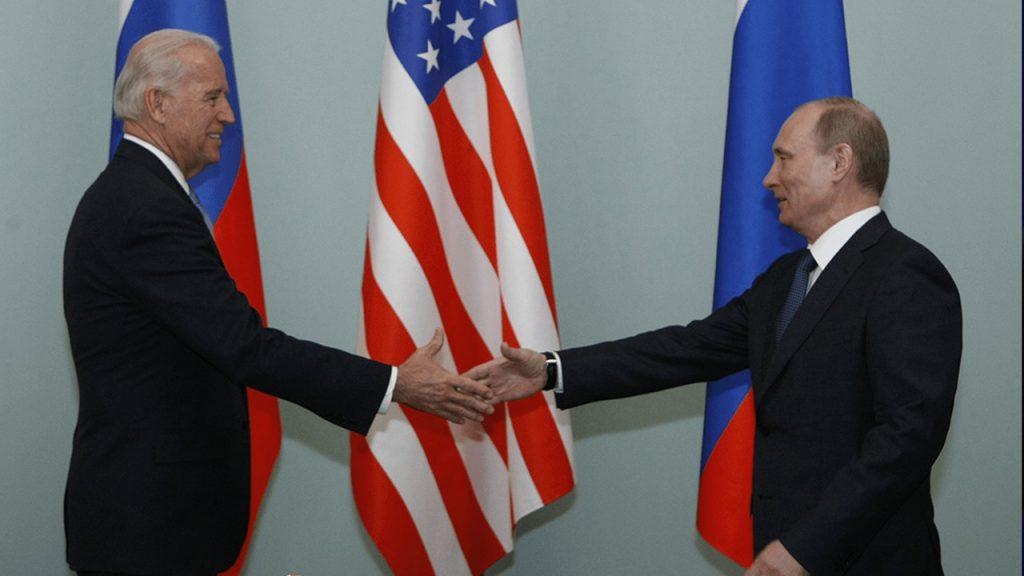 Beim ersten Anruf bei Putin erhöht Biden die Einmischung in Wahlen, Kopfgelder und Nawalny-Vergiftungen
