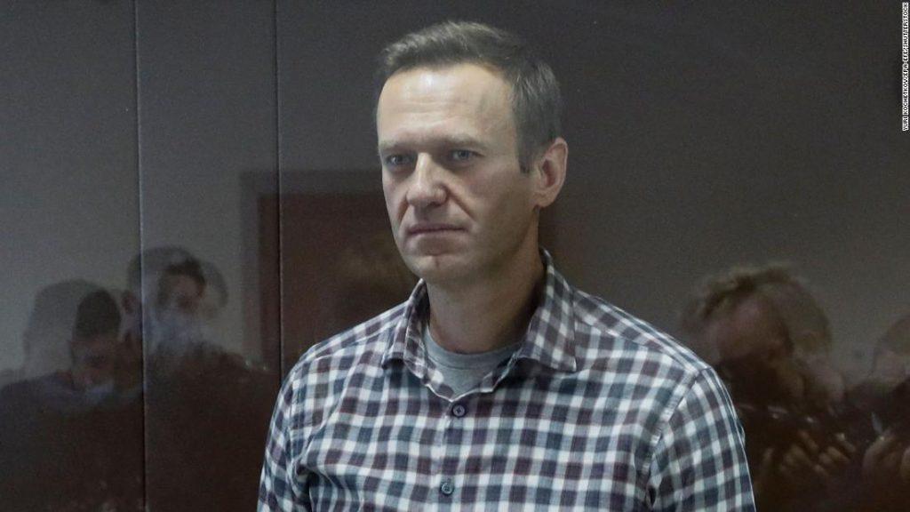 Alexey Navalny soll im Gefängnis bleiben, nachdem das russische Gericht seine Haftstrafe verkürzt hat